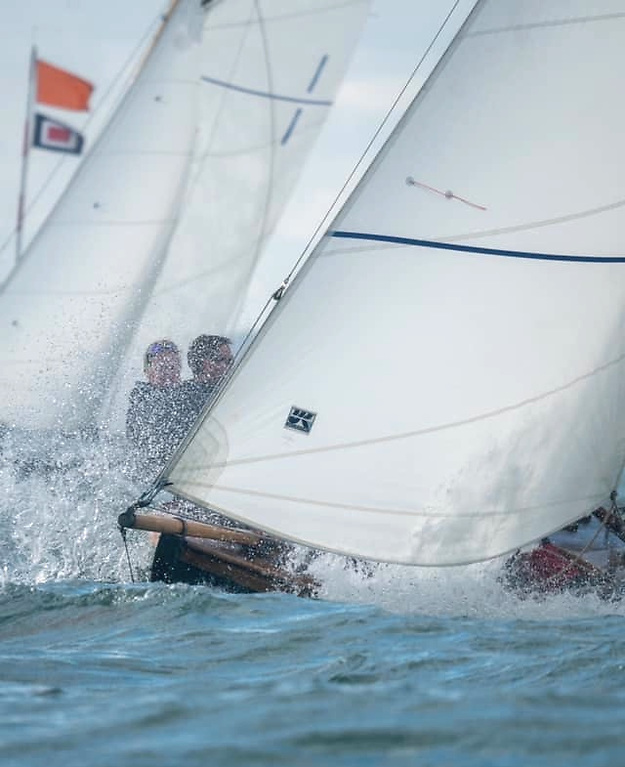 The second race brought livelier starting conditions for the Howth 17s. Photo: AnnraoiBlaney