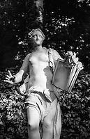 Potsdam, parco di Sanssouci. Statua in marmo --- Potsdam, Sanssouci Park. Marble statue
