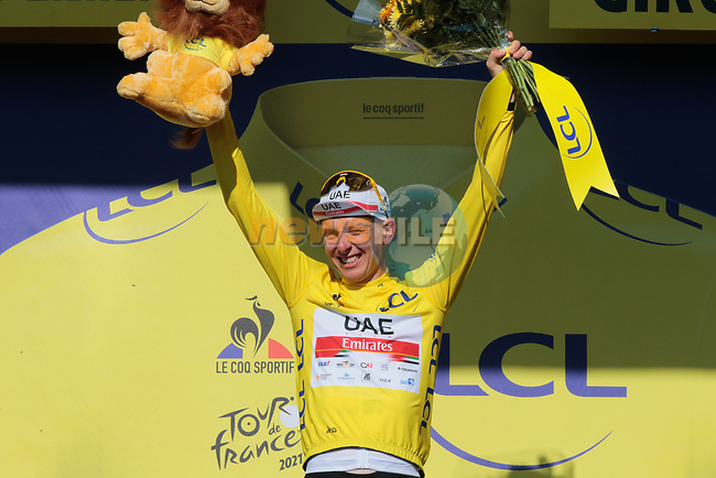 Race leader Tadej Pogacar (SLO) UAE Team Emirates retains the Yellow Jersey at the end of Stage 20 of the 2021 Tour de France, an individual time trial running 30.8km from Libourne to Saint-Emilion, France. 17th July 2021.  <br /> Picture: Colin Flockton | Cyclefile<br /> <br /> All photos usage must carry mandatory copyright credit (© Cyclefile | Colin Flockton)