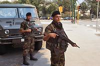 """- Italian army, operation """"Partenope"""" for  territory control, soldiers control Caracciolo waterfront....- Esercito Italiano, operazione """"Partenope"""" per il controllo del territorio, militari controllano il lungomare Caracciolo"""