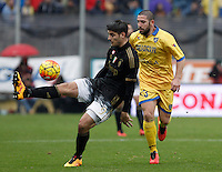 Calcio, Serie A: Frosinone vs Juventus. Frosinone, stadio Comunale, 7 febbraio 2016.<br /> Juventus' Alvaro Morata, left, is challenged by Frosinone's Roberto Crivello during the Italian Serie A football match between Frosinone and Juventus at Frosinone's Comunale stadium, 7 January 2016.<br /> UPDATE IMAGES PRESS/Isabella Bonotto