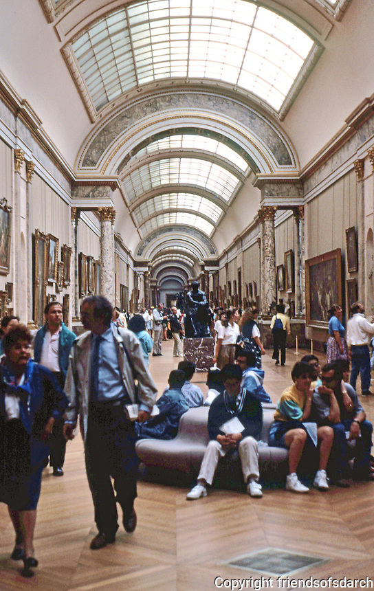 Paris: Louvre Museum. Interior gallery. Photo '90.
