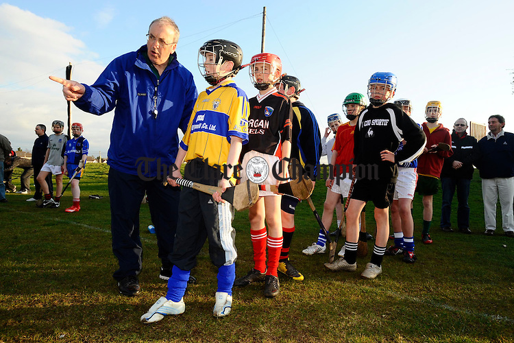 Paudie Butler, GAA National Hurling co-ordinator giving a coaching session to the  under -14 team at Eire Og  to help under age coaches of The Banner and Eire Og Clubs. Photogreaph by John Kelly.