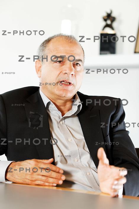 Interview mit Valentin Chapero, CEO Sonova, (Phonak) im Hauptsitz in Staefa Laubisruetistrasse 28, Zuerich am 8. April 2010<br /> <br /> Copyright © Zvonimir Pisonic