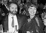 ELSA MARTINELLI CON GIANNI VERSACE<br /> PREMIO THE BEST RAINBOW ROOM NEW YORK 1982