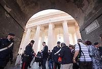 Carabinieri perquisiscono i turisti al loro arrivo in Piazza San Pietro in occasione dell'Angelus di Papa Francesco, Citta' del Vaticano, 15 novembre 2015.<br /> Carabinieri inspect tourists bags as they arrive for Pope Francis' Angelus prayer in St. Peter's square at the Vatican, 15 November 2015.<br /> UPDATE IMAGES PRESS/Riccardo De Luca<br /> <br /> STRICTLY ONLY FOR EDITORIAL USE