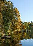 DEU, Deutschland, Bayern, Niederbayern, Naturpark Bayerischer Wald, bei Viechtach: Hoellensteinstausee, Bootssteg   DEU, Germany, Bavaria, Lower-Bavaria, Nature Park Bavarian Forest, near Viechtach: reservoir Hoellenstein Lake, landing stage