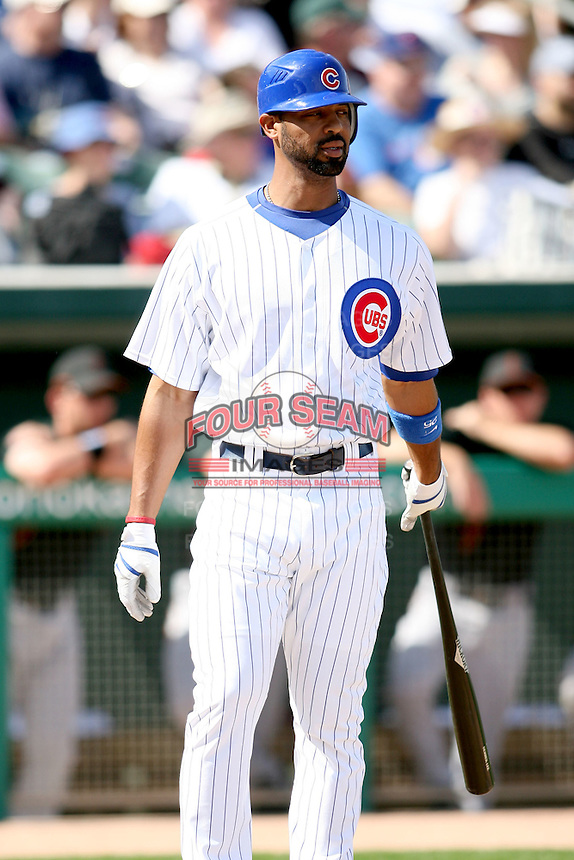 February 29, 2008: Derrek Lee of the Chicago Cubs at Hohokam Park during spring training in Mesa, AZ. Photo by:  Chris Proctor/Four Seam Images
