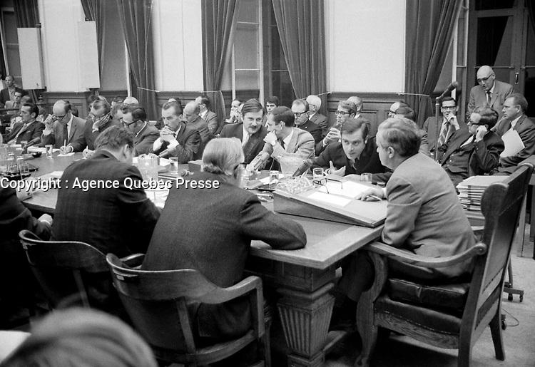 Conseil des ministres - Jean-Guy Cardinal, Jean Cournoyer,  Marcel Masse et de profil Jean-Jacques Bertrand<br /> Entre le 25 et 21 aout 1969<br /> <br /> Photo : Photo Moderne - Agence Quebec Presse