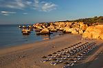 Portugal, Algarve, near Portimao: View of Praia do Vau at sunrise