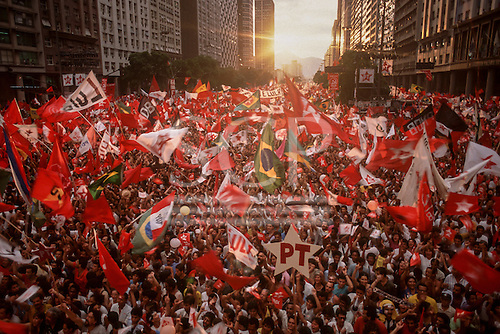 Rio de Janeiro, Brazil. Rally supporting workers' party presidential candidate Luis Ignacio 'Lula' da Silva, 1989 with hige crowd.