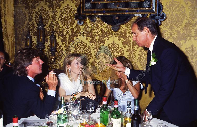 GIOVANNI VOLPI DI MISURATA CON ERNEST AUGUST DI HANNOVER E CHANTAL HOCHULI<br /> AMFAR FOUNDATION CHARITY GALA PALAZZO VOLPI VENEZIA 1993