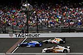 Verizon IndyCar Series<br /> Indianapolis 500 Race<br /> Indianapolis Motor Speedway, Indianapolis, IN USA<br /> Sunday 28 May 2017<br /> Takuma Sato, Andretti Autosport Honda, Helio Castroneves, Team Penske Chevrolet, Ed Jones, Dale Coyne Racing Honda<br /> World Copyright: Scott R LePage<br /> LAT Images<br /> ref: Digital Image lepage-170528-indy-10378