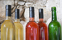 Experimental bottling with screw caps in whit and rose version. Chateau de Lascaux, Vacquieres village. Pic St Loup. Languedoc. France. Europe.