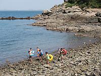 Badestrand auf der Insel Pi  bei Nampo, Nordkorea, Asien<br /> Beach on Pi Island near Nampo, North Korea, Asia