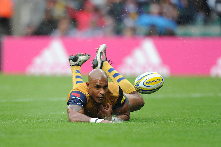Tom Varndell of Bristol Rugby dives over to score a try during the Aviva Premiership Rugby match between Harlequins and Bristol Rugby at Twickenham Stadium on Saturday 03 September 2016 (Photo by Rob Munro/Stewart Communications)