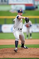 Burlington Bees starting pitcher Ronnie Glenn (25) delivers a pitch during a game against the Quad Cities River Bandits on May 9, 2016 at Modern Woodmen Park in Davenport, Iowa.  Quad Cities defeated Burlington 12-4.  (Mike Janes/Four Seam Images)