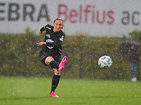 Clotilde Codden (23) of Woluwe gives a cross during a female soccer game between Sporting Charleroi and White Star Woluwe on the 7 th matchday in play off 2 of the 2020 - 2021 season of Belgian Scooore Womens Super League , friday 14 th of May 2021  in Marcinelle , Belgium . PHOTO SPORTPIX.BE | SPP | Sevil Oktem