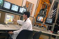 - ENEA, Ente Nazionale per le Nuove tecnologie, Energia e Ambiente, centro ricerche del lago Brasimone (Bologna); sviluppo di tecnologie della fusione termonucleare controllata, sistemi nucleari innovativi e monitoraggio ambientale; impianto DRP (Divertor  Refurbishment  Platform) per studiare la tecniche di riparazione remota e manutenzione di componenti del reattore ITER, progetto internazionale sulla fusione termonucleare....- ENEA, National agency for the New technology, Energy and Atmosphere, research center  of the Brasimone lake (Bologna); development of technologies for the controlled thermonuclear fusion, innovating nuclear systems and environmental monitoring;  system DRP (Divertor Refurbishment Platform) to study the techniques of remote repair and maintenance of components of reactor ITER, international project for the thermonuclear fusion..