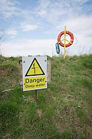 Deep water sign at reservoir