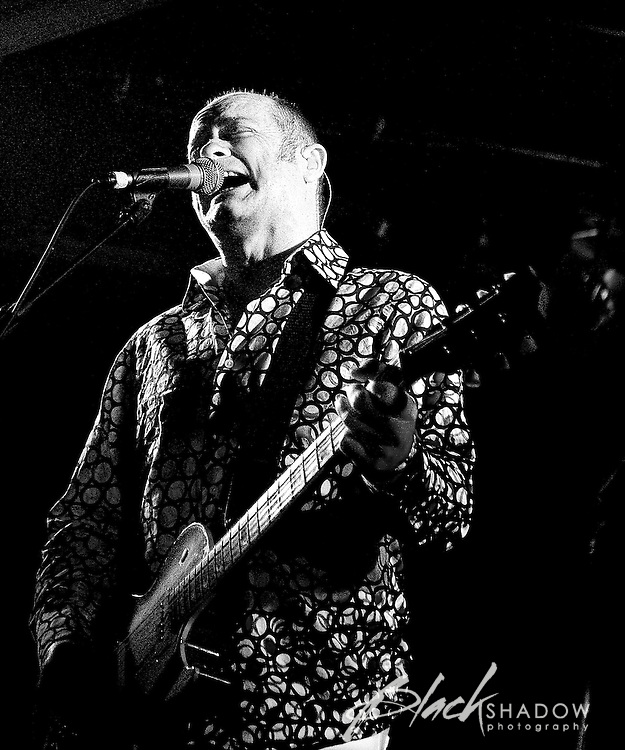 The Hoodoo Gurus performing at the Ian Rilen benefit show, Prince of Wales, Melbourne, 6 October 2006