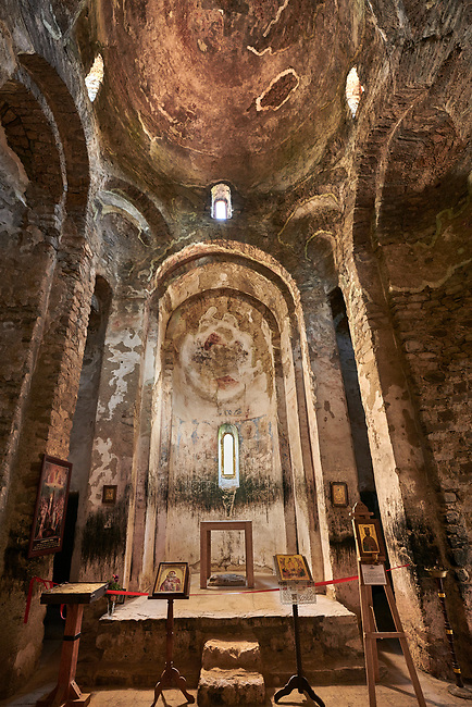 Pictures & images of the interior of a tetraconch cupola church from the first quarter of the seventh century. Dzveli (Old) Shuamta Monastery  founded by one of the 13 Syrian Fathers in the sixth century, Kakheti , Georgia (country).