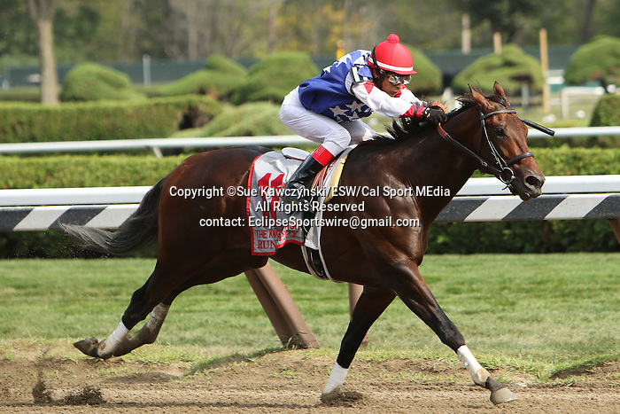 August 29 2015: Runhappy with Edgar Pradio win the $500,000 Kings Bishop Stakes for 3-year olds going 7 fulongs at Saratoga Racetrack.  Trainer Maria Borell. Owner James McIngvale. Sue Kawczynski/ESW/CSM