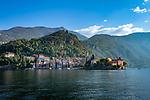 Italy, Lombardia, Varenna: ferry approaching Varenna | Italien, Lombardei, Varenna: von der Faehre hat man einen wunderbaren ersten Blick auf Varenna