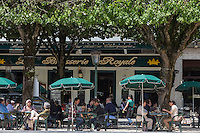 France, Aquitaine, Pyrénées-Atlantiques, Béarn, Pau : Terrasse de la Brasserie Royale, Place Royale //  France, Pyrenees Atlantiques, Bearn, Pau: Brasserie terrace, place Royale
