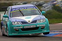 Round 3 of the 2002 British Touring Car Championship. #20 Phil Bennett (GBR). Petronas Syntium Proton. Proton Impian.