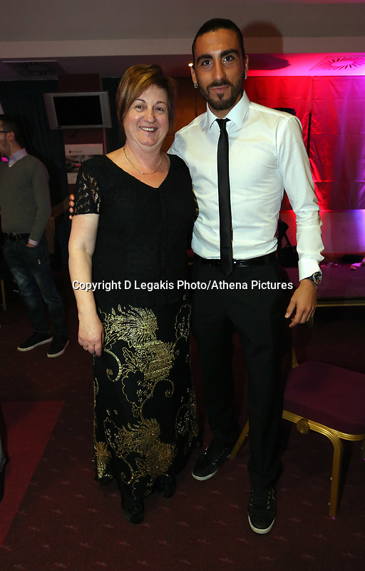 Pictured: Chico Flores (R) with the mother of Angel Rangel (L). Wednesday 10 April 2013<br />
