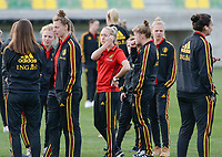 20180228 - LARNACA , CYPRUS :  Belgian players with Celien Guns (middle) pictured during a recognition of the pitch before women's soccer game between Spain and the Belgian Red Flames , on friday 2 March 2018 at the AEK Arena in Larnaca , Cyprus . This is the second  game in group B for  Belgium during the Cyprus Womens Cup , a prestigious women soccer tournament as a preparation on the World Cup 2019 qualification duels. PHOTO SPORTPIX.BE | DAVID CATRY