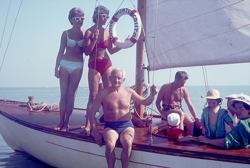 Europe, DEU, Germany, In the sixties, Historical image, People group, Sailing. Boat, Sailingship, Sailor, Sailingboat, Historic image from the sixties., Tourism Touristic, Tourist, Travel, Traveller, Journey, Voyage, Holiday, Holidays, Tourist country, Hystory, Historic, Historical, Historical image, Historical photography, Contemporary, Historic image, Historic photography....Europa, DEU, Deutschland, 60er Jahre, Historische Aufnahme, Personengruppe, Segelboot, Historische Fotografie die in den 60er Jahren entstand und den Zeitgeist der damaligen Zeit symbolisiert., Tourismus, Touristik, Touristisch, Urlaub, Reisen, Reisen, Ferien, Urlaubsreise, Freizeit, Historisch, Geschichte, Geschichtliches, Historische Aufnahme, Historische Fotografie....[For each utilisation of my images my General Terms and Conditions are mandatory. Usage only against use message and proof. Download of my General Terms and Conditions under http://www.image-box.com or ask for sending. A clearance before usage is necessary. Material is subject to royalties. Each utilisation of my images is subject to a fee in accordance to the present valid MFM-List. Contact: Uwe Schmid-Photography, Duisburg, Germany, Tel. (+49).2065.677997,..schmid.uwe@onlinehome.de, www.image-box.com]