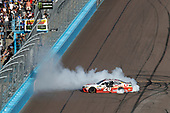 Monster Energy NASCAR Cup Series<br /> Can-Am 500<br /> Phoenix Raceway, Avondale, AZ USA<br /> Sunday 12 November 2017<br /> Matt Kenseth, Joe Gibbs Racing, Circle K Toyota Camry, burnout<br /> World Copyright: Michael L. Levitt<br /> LAT Images
