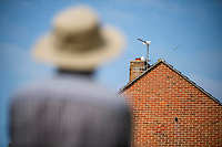 BNPS.co.uk (01202 558833)<br /> Pic: MaxWillcock/BNPS<br /> <br /> The 'vindictive' seagull in question looking down on Robin Edmonds.<br />  <br /> A homeowner is at his wits end after being repeatedly attacked by violent seagulls.<br /> <br /> Robin Edmonds was forced to flee for cover from the 'vindictive' bird that dive-bombed him as he left his home.<br /> <br /> The 49-year-old has been left in fear about going outside and has even bought a special hat to protect him.