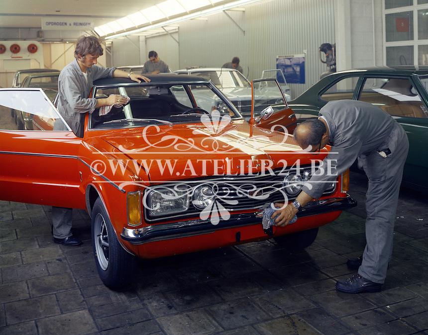 September 1971. Ford fabriek.