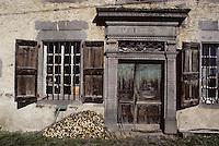 Europe/France/Auvergne/15/Cantal/Env de Murat: Vieille maison