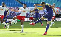 16th May 2020, Red Bull Arena, Leipzig, Germany; Bundesliga football, Leipzig versus FC Freiburg;   Christian Guenter SCF in shooting action against Tyler Adams RBL