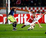 Nederland, Amsterdam, 5 november 2015<br /> Europa League<br /> Seizoen 2015-2016<br /> Ajax-Fenerbahce (0-0)<br /> Joel Veltman van Ajax komt ten val