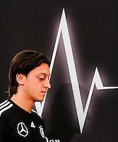GDANSK, POLONIA, 25 JUNHO 2012 - COLETIVA ALEMANHA - O jogador da Alemanha Ozil durante entrevista coletiva ontem segunda-feira, 25. Alemanha enfretara a Italia na proxima quinta-feira em  partida valida pelas semi-finais da Eurocopa. (FOTO: PIXATHLON / BRAZIL PHOTO PRESS).