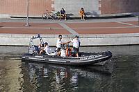 - Milano, pattuglia della Polizia Locale sulla Darsena<br /> <br /> - Milan, patrol of Local Police on Darsena