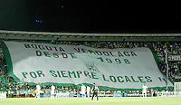 BOGOTÁ -COLOMBIA, 01-09-2014. Seguidores  de Atlético Nacional apoyan a su equipo durante partido con La Equidad por la fecha 7 de la Liga Postobón II 2014 jugado en el estadio Nemesio Camacho El Campin de la ciudad de Bogotá./ Followers of Atletico Nacional show their support to their team during the match against La Equidad for the 7th date of the Postobon League II 2014 played at Nemesio Camacho El Campin stadium in Bogotá city. Photo: VizzorImage/ Gabriel Aponte / Staff