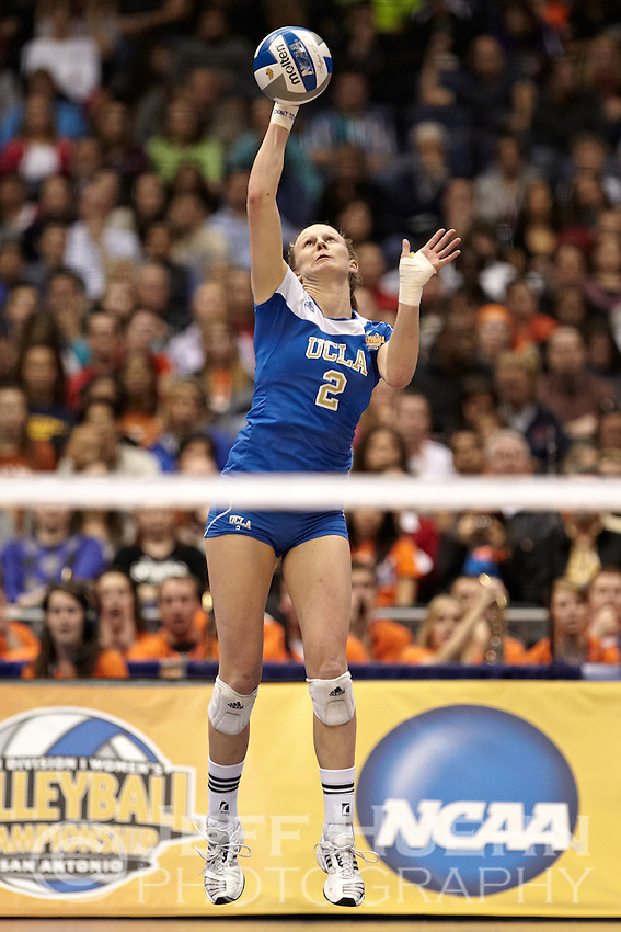 SAN ANTONIO, TX - DECEMBER 17, 2011: The 2011 NCAA Division I Women's Volleyball Championship Match featuring the University of California, Los Angeles Bruins vs. the University of Illinois Fighting Illini at the Alamodome. (Photo by Jeff Huehn)