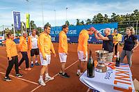 Netherlands, September 12,  2021, Naaldwijk KIA Competition mixed, premier league final, LTC Naaldwijk vs TC Leimonias, runners up Naaldwijk being decorated.<br /> Photo: Henk Koster/tennisimages.com