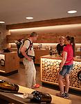Germany, Baden-Wurttemberg, Northern Black Forest, Sasbachwalden: wine village at Baden Wine Route, wine tasting at Alde Gott winegrowers cooperative | Deutschland, Baden-Wuerttemberg, Nordschwarzwald, Sasbachwalden im Ortenaukreis: Weinort an der Badischen Weinstrasse gelegen, Weinprobe in der Alde Gott Winzergenossenschaft