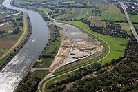 Kreetsand: EUROPA, DEUTSCHLAND, HAMBURG 29.08.2015:  Das IBA-Projekt Kreetsand, ein Pilotprojekt im Rahmen des Tideelbe-Konzeptes der Hamburg Port Authority (HPA), soll auf der Ostseite der Elbinsel Wilhelmsburg zusaetzlichen Flutraum für die Elbe schaffen. Das Tidevolumen wird durch diese strombauliche Massnahme vergroessert und der Tidehub reduziert. Gleichzeitig ergeben sich neue Moeglichkeiten für eine integrative Planung und Umsetzung verschiedenster Interessen und Belange aus Hochwasserschutz, Hafennutzung, Wasserwirtschaft, Naturschutz und Naherholung. Das Projekt Kreetsand wird vor diesem Hintergrund auch einen Teil des IBA-Projekts Deichpark-Elbinsel darstellen. Bei dem Projekt werden diese Aspekte für die gesamte Elbinsel analysiert und vorteilhafte Maßnahmen und Strategien fuer die Kombination der verschiedenen Anforderungen entwickelt.