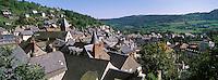 France/15/Cantal/Murat: Les toits de la ville et l'église Notre Dame des Oliviers