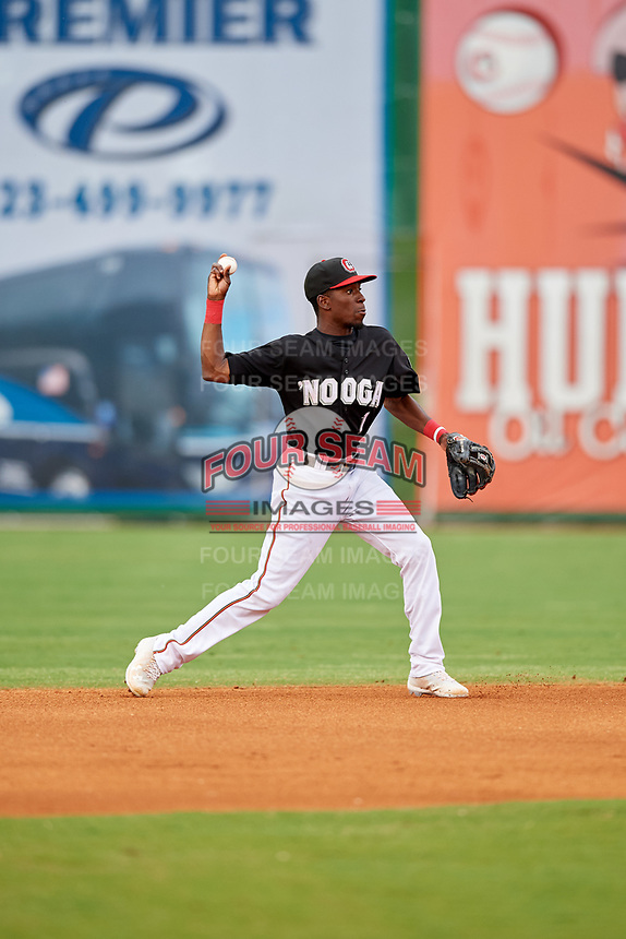 Chattanooga Lookouts second baseman Nick Gordon (1) throws to first base during a game against the Jackson Generals on May 9, 2018 at AT&T Field in Chattanooga, Tennessee.  Chattanooga defeated Jackson 4-2.  (Mike Janes/Four Seam Images)