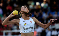 CALI - COLOMBIA - 17-07-2015: Patricjia Adamczyk de Polonia, durante la prueba de Lanzamiento de bala del Heptatlon en el estadio Pascual Guerrero sede, sede de IAAF Campeonatos Mundiales de la Juventud Cali 2015.  / Patricjia Adamczyk of Poland, during the test of Shot Put of the Heptathlon in the Pascual Guerrero home of the IAAF World Youth Championships Cali 2015. Photos: VizzorImage / Luis Ramirez / Staff.