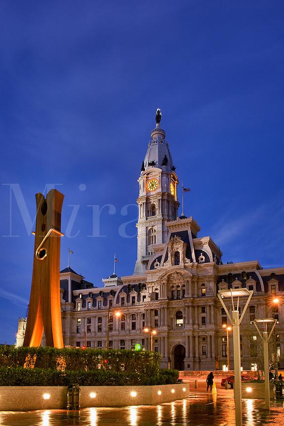 Clothespin sculpture and City Hall, Philadelphia, Pennsylvania, USA, Sculpter Claes Oldenburg, 1976